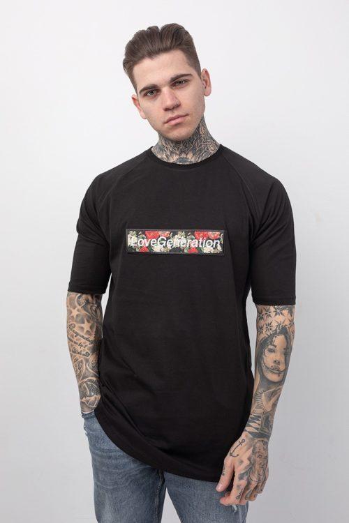 Ανδρικό μπλουζάκι με κοντό μανίκι σε μαύρο χρώμα με στάμπα τριαντάφυλλα TS214