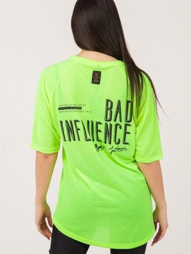 Κοντομάνικο boyfriend μπλουζάκι σε χρώμα λάιμ φλούο με στάμπα πίσω στην πλάτη TS204