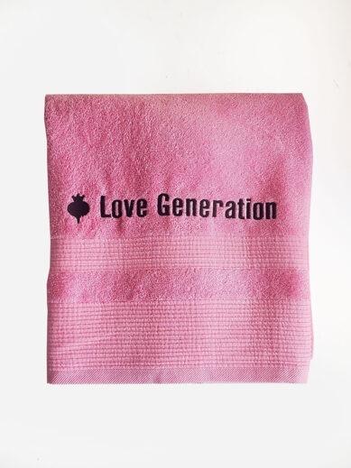 Βαμβακερή πετσέτα θαλάσσης μονόχρωμη ροζ με την επωνυμία της Love Generation σε μαύρο χρώμα