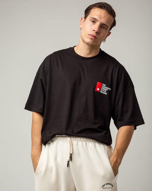 Ανδρικό μπλουζάκι oversized σε μαύρο χρώμα με κόκκινη στάμπα